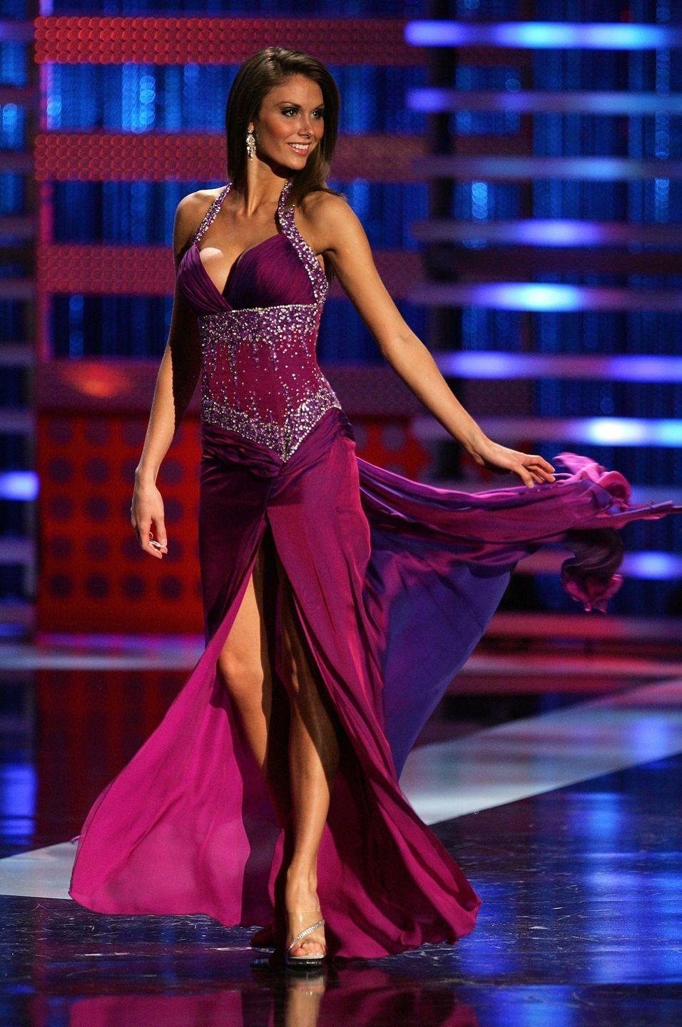 <p>They say purple is the color of royalty, and perhaps that's why 2008's Nicole Elizabeth Rash was the 1st runner-up in this glittery gown.</p>