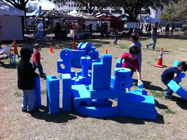 "<div class=""caption-credit""> Photo by: Austin Parks Dept.</div><div class=""caption-title"">Imagination Playground, Austin</div>Architect <a href=""http://imaginationplayground.com/about/"" rel=""nofollow noopener"" target=""_blank"" data-ylk=""slk:David Rockwell"" class=""link rapid-noclick-resp"">David Rockwell</a> designed this ""playground in a box."" Kids can use creativity and foam blocks to build their own idea of a playground almost anywhere."