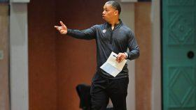 Clippers assistant coach Tyronn Lue