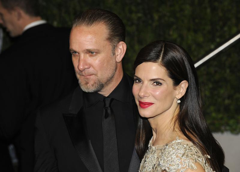 WEST HOLLYWOOD, CA - MARCH 07: Actor Jesse James and Actress Sandra Bullock arrive at the 2010 Vanity Fair Oscar Party hosted by Graydon Carter held at Sunset Tower on March 7, 2010 in West Hollywood, California. (Photo by Ethan Miller/WireImage)
