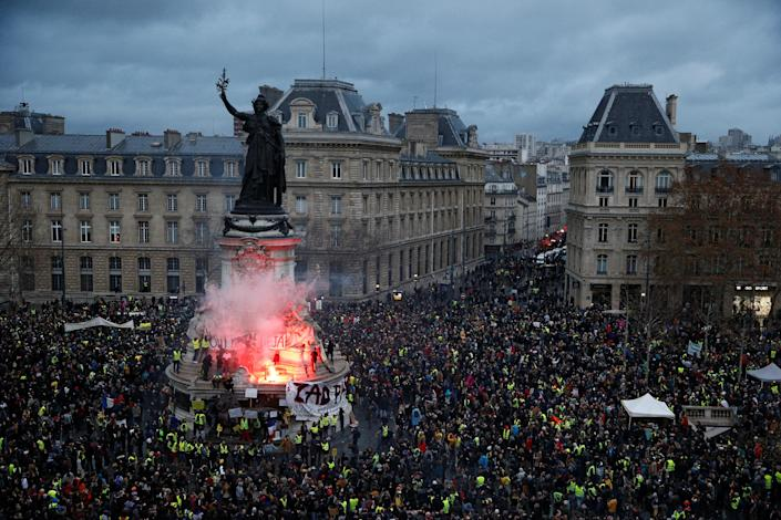 """A view of the Place de la Republique as protesters wearing yellow vests gather during a national day of protest by the """"yellow vests"""" movement in Paris, France, Dec. 8, 2018. (Photo: Stephane Mahe/Reuters)"""