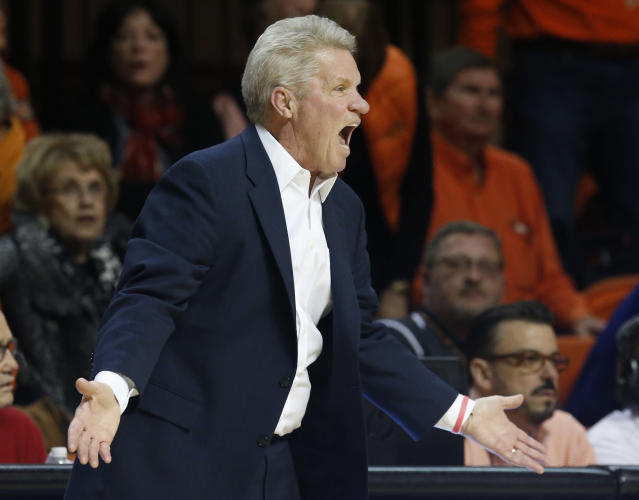 Iowa State coach Bill Fennelly shouts to his team during the second half against Oklahoma State in an NCAA college basketball game in Stillwater, Okla., Wednesday, Jan. 24, 2018. Iowa State won 78-69. (AP Photo/Sue Ogrocki)