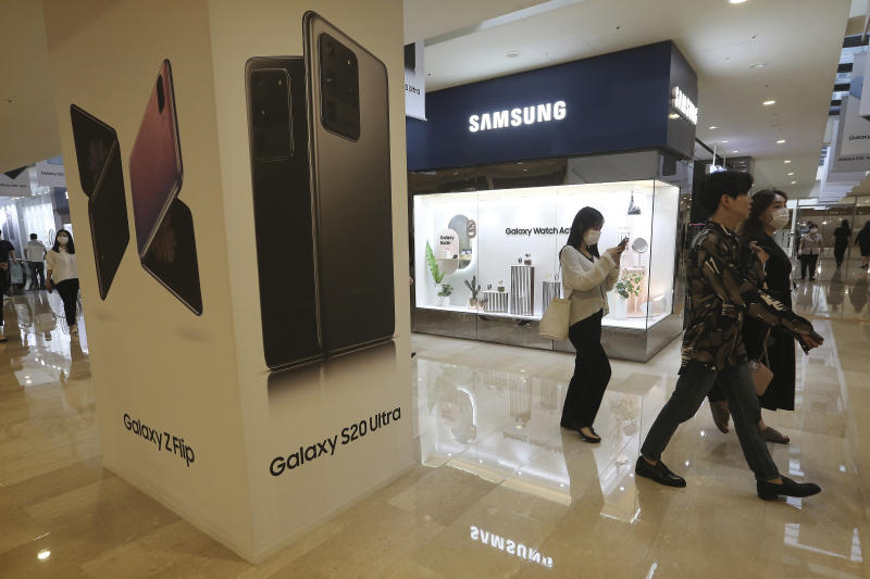 INDIA-APPLE SAMSUNG