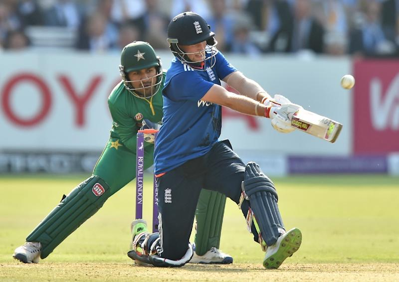 Root leads England to easy one-day win over Pakistan