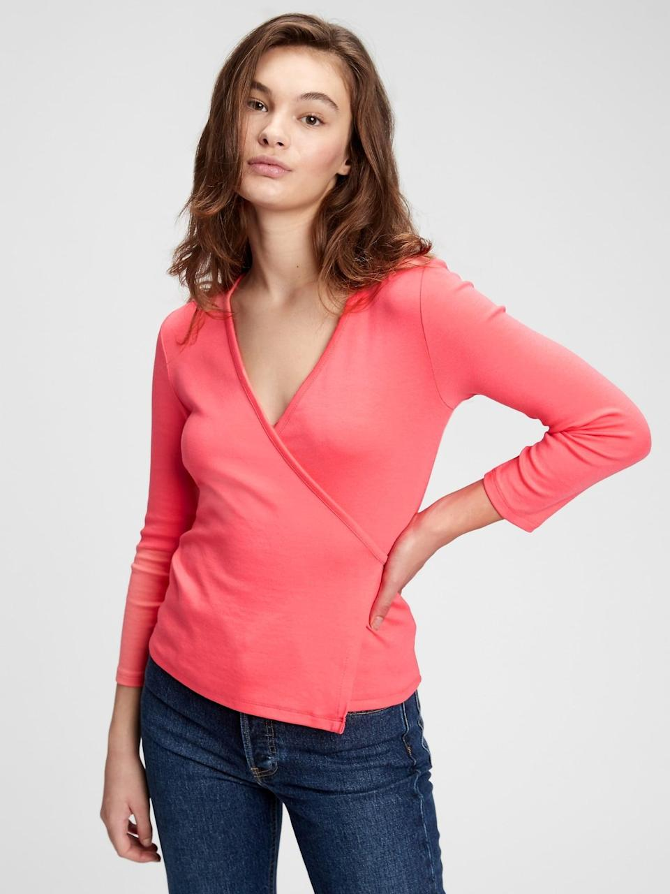 <p>Like Valentine's day is like any other day, but just a little bit special, this <span>Gap Wrap T-Shirt</span> ($20, originally $35) is like any other t-shirt, but in a cool wrap!</p>