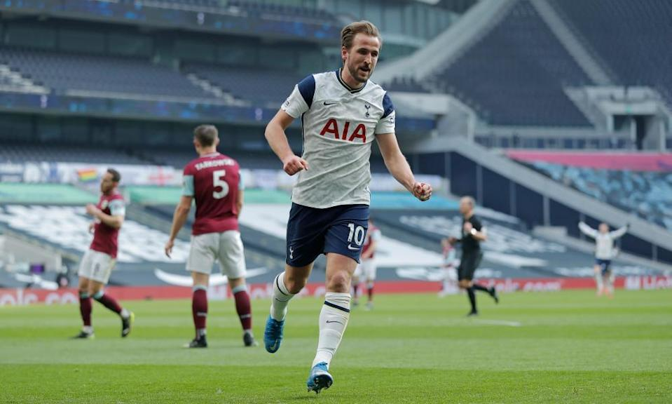 Harry Kane celebrates after scoring Spurs' second.