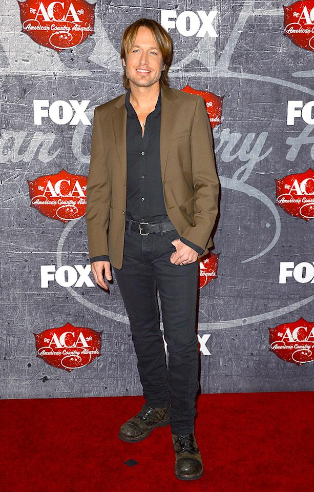 LAS VEGAS, NV - DECEMBER 10:  Singer Keith Urban arrives at the 2012 American Country Awards at the Mandalay Bay Events Center on December 10, 2012 in Las Vegas, Nevada.  (Photo by Frazer Harrison/Getty Images)