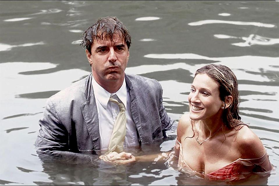 "<p>In season 3, episode 18 titled, ""Cock-a-Doodle-Do"" Carrie and Big fall into the Central Park boating pond. In <a href=""https://www.amazon.com/Sex-City-Kiss-Amy-Sohn/dp/B001IV5W26/?tag=syn-yahoo-20&ascsubtag=%5Bartid%7C10063.g.34616949%5Bsrc%7Cyahoo-us"" rel=""nofollow noopener"" target=""_blank"" data-ylk=""slk:Sex and the City: Kiss and Tell"" class=""link rapid-noclick-resp""><u><em>Sex and the City: Kiss and Tell</em></u></a>, Parker reveals they did the fall in one take. She also cut her foot while filming the scene — <span class=""redactor-invisible-space""> having to get a </span>tetanus shot right after they finished. </p>"