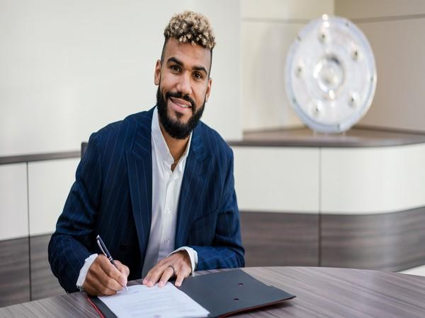 Striker Eric Maxim Choupo-Moting