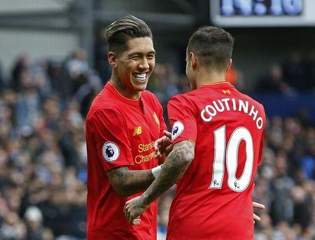 Britain Soccer Football - West Bromwich Albion v Liverpool - Premier League - The Hawthorns - 16/4/17 Liverpool's Roberto Firmino celebrates scoring their first goal with Philippe Coutinho  Reuters / Andrew Yates Livepic