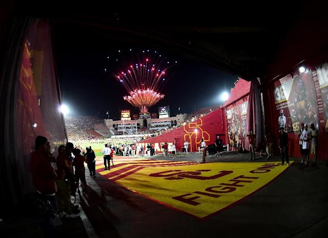 Fireworks go off before the USC Trojans opening season game against the Arkansas State Red Wolves at Los Angeles Coliseum on September 5, 2015 in Los Angeles, California (AFP Photo/Harry How)