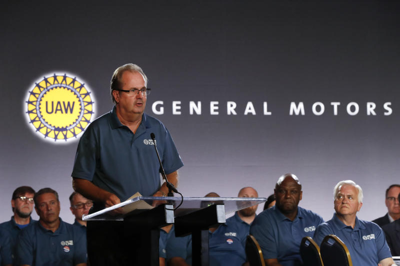 UAW extends Ford, FCA contracts, but not GM