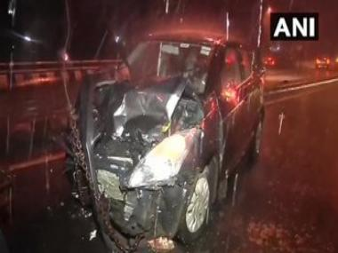 Mumbai rains: Eight injured after 3 cars collide on Andheri flyover; IMD predicts heavy showers for next 2 days