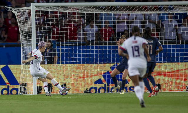 Megan Rapinoe of USA scores his team's second goal during the 2019 FIFA Women's World Cup France Quarter Final match between France and USA at Parc des Princes on June 28, 2019 in Paris, France. (Photo by TF-Images/Getty Images)