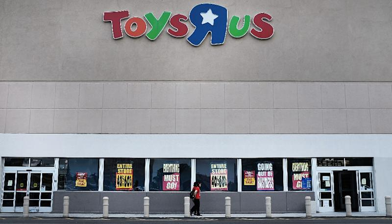 Hundreds of Toys 'R' Us employees to lose their jobs