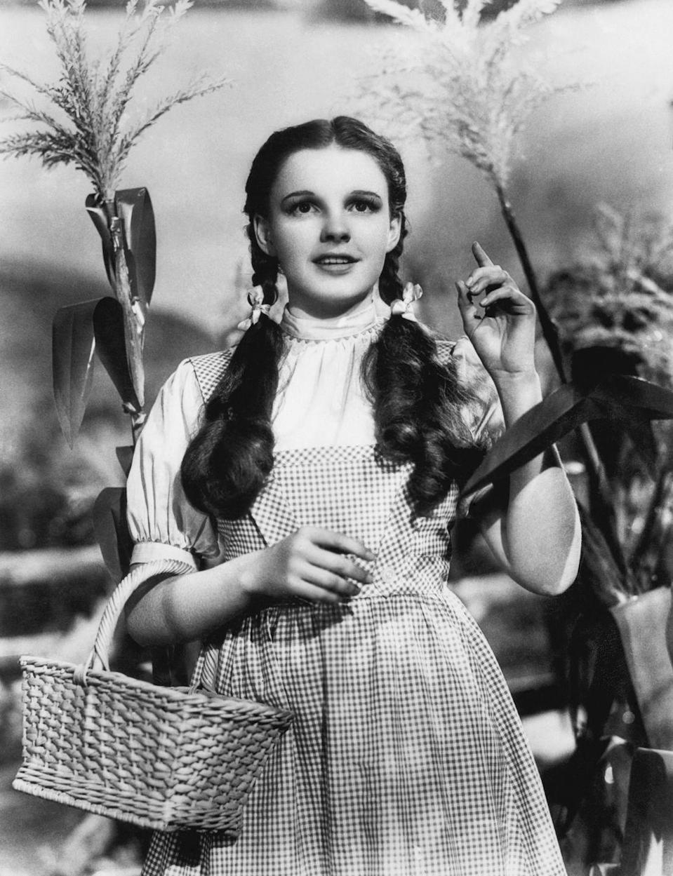 <p>Starring in her most famous role as Dorothy in 1938's wildly popular Wizard of Oz, Judy Garland helped popularize the curly pigtail look.</p>