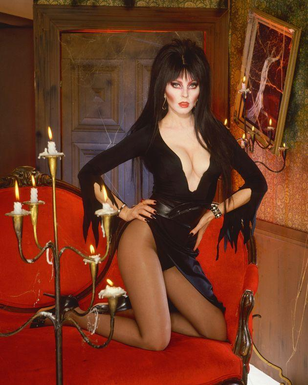 Peterson in all her Elvira glory in 1990. (Photo: Harry Langdon via Getty Images)