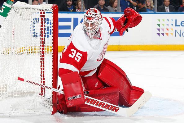 "<a class=""link rapid-noclick-resp"" href=""/nhl/players/3771/"" data-ylk=""slk:Jimmy Howard"">Jimmy Howard</a> of the Detroit Red Wings tends the net against the <a class=""link rapid-noclick-resp"" href=""/nhl/teams/nyr/"" data-ylk=""slk:New York Rangers"">New York Rangers</a> at Madison Square Garden on October 19, 2016 in New York City. (Getty Images)"