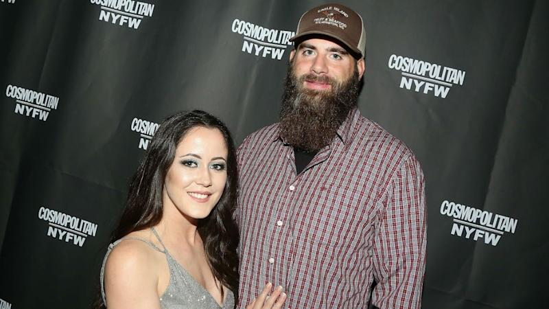 Jenelle Evans' Husband David Eason Takes Off His Wedding Ring After Split Announcement