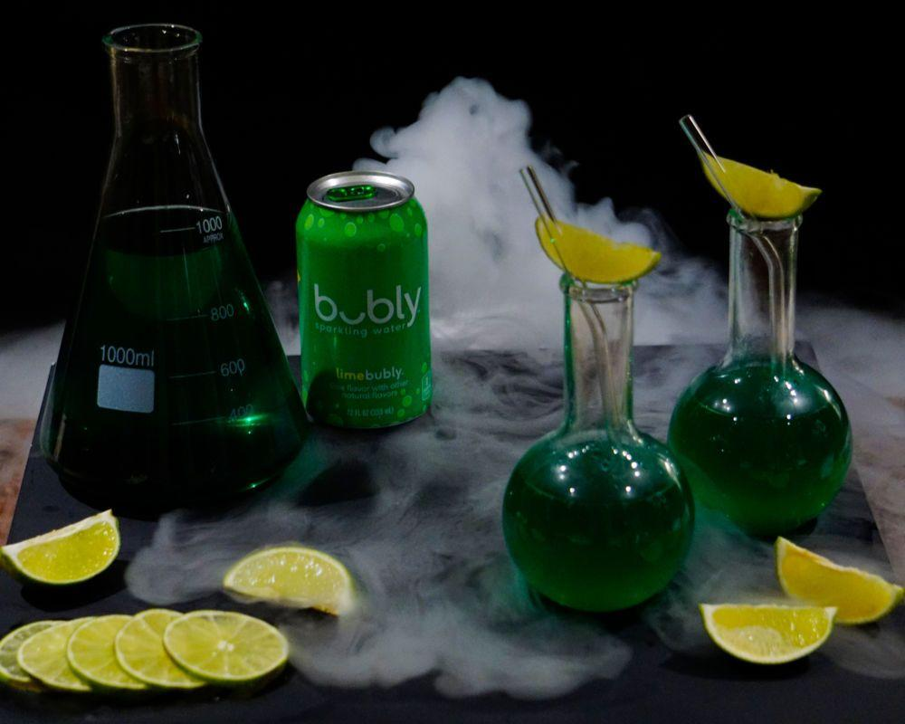 <p>Add 3½ oz. lime bubly and 1½ oz. ginger beer in a glass over ice. Add 2 dashes of green food dye for color. Garnish with a lime wedge.</p><p><em>Recipe by bubly</em></p>