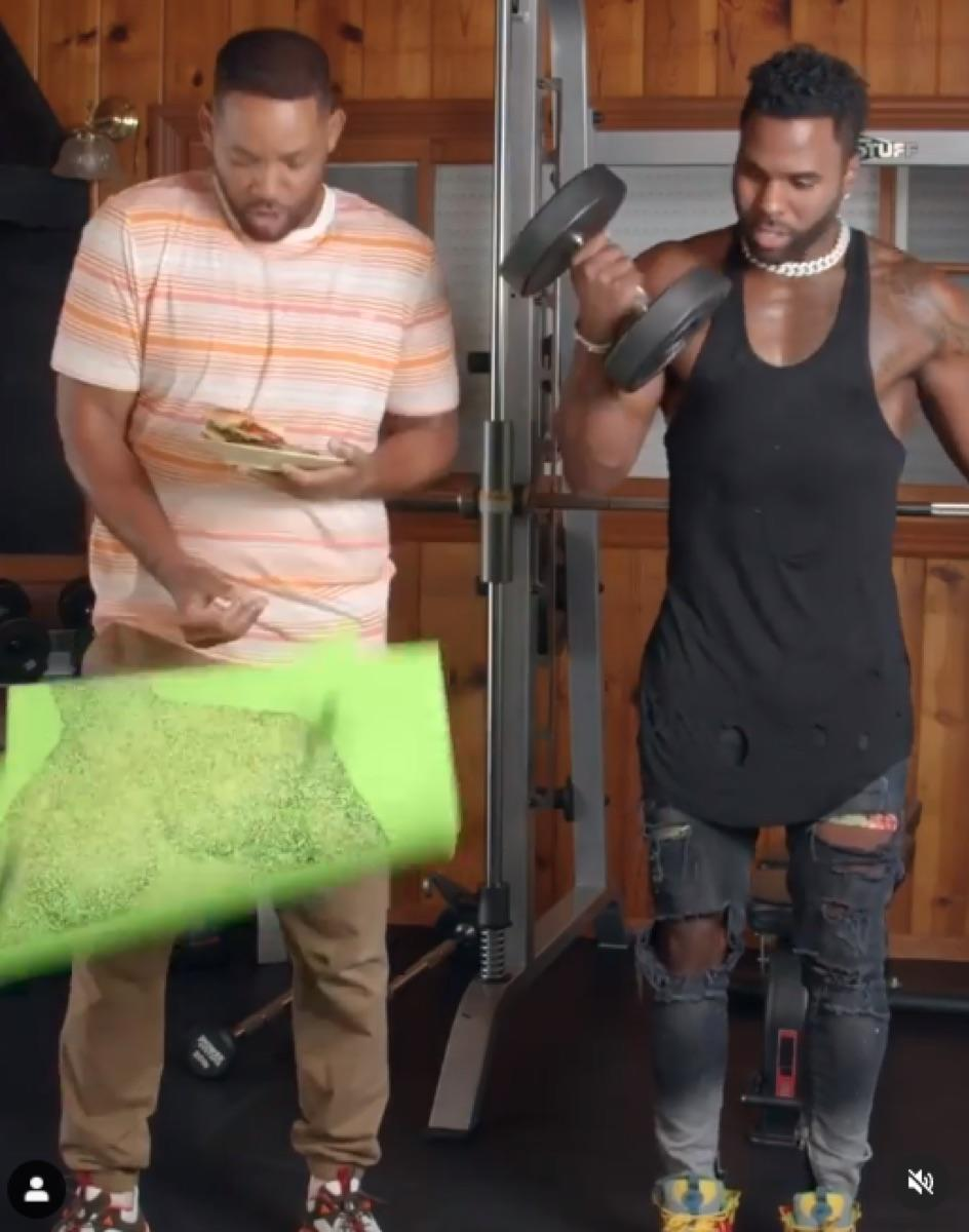 Will Smith and Jason Derulo lifting weights