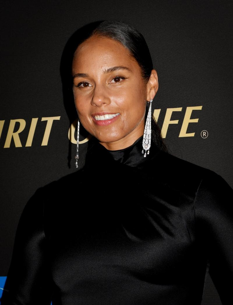 "Alicia Keys aborda la violencia policial en su canción ""Perfect Way to Die"""