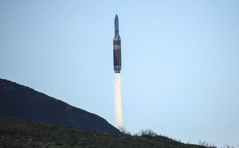 ULA rocket carrying US spy satellite launched from California