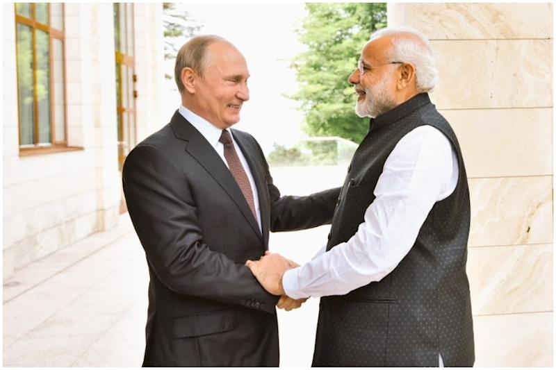US Shadow Looms as Modi Reaches Russia for Informal Summit With Putin