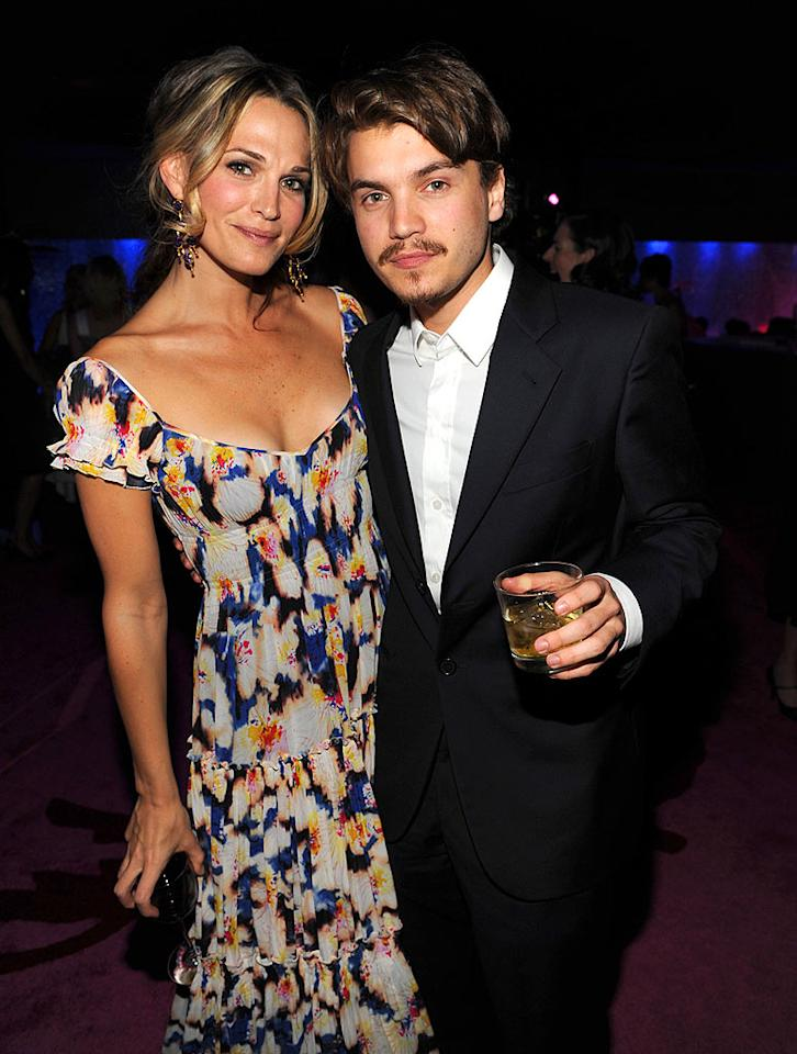 "Molly Sims cozied up to ""Milk's"" Emile Hirsch. Kevin Mazur/<a href=""http://www.gettyimages.com/"" target=""new"">GettyImages.com</a> - January 11, 2009"