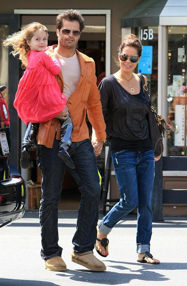 """Former """"Baywatch"""" hottie David Charvet stepped out with his wife, """"Dancing With the Stars"""" host Brooke Burke, and their daughter Heaven Rain for some retail therapy at Planet Blue in Malibu. Dave, you look hot all the way down ... until you get to those fugly Uggs. Gros-Walsh-Kmm/<a href=""""http://www.x17online.com"""" target=""""new"""">X17 Online</a> - May 9, 2010"""