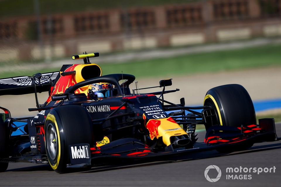 """P6 Alex Albon, Red Bull Racing RB16<span class=""""copyright"""">Andy Hone / Motorsport Images</span>"""