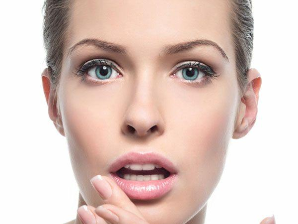 <p><strong>Image courtesy : iDiva.com</strong></p><p><strong>Step 2: Moisturise </strong><br />Apply petroleum jelly or a lip balm to moisturise and hydrate your lips.</p><p><strong>Related Articles - </strong></p><p><a href='http://idiva.com/photogallery-style-beauty/pucker-up-10-fruity-lip-colours-were-crushing-on/22849' target='_blank'>Pucker Up: 10 Fruity Lip Colours We're Crushing On!</a></p><p><a href='http://idiva.com/photogallery-style-beauty/make-up-tips-to-look-sexy/16122' target='_blank'>Make Up Tips to Look Sexy</a></p>