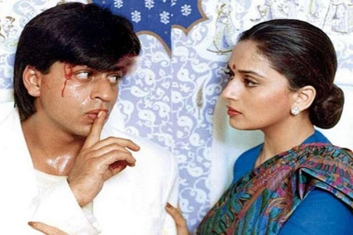 Anjaam: Shah Rukh Khan again decided to play the negative lead in 1994-released Anjaam, where he played a role of stalker-cum obsessed lover. Portraying the role of Vijay Agnihotri, a wealthy industrialist in the movie, SRK goes beyond all the limits to capture his lady love which was played by Madhuri Dixit. The movie bagged him Filmfare Best Actor in a Negative Role Award.