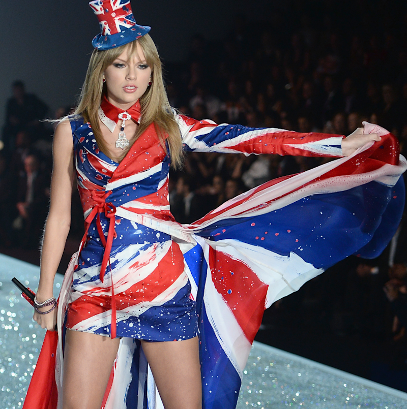 The 5 Coolest Outfits From The Victoria 39 S Secret Fashion Show