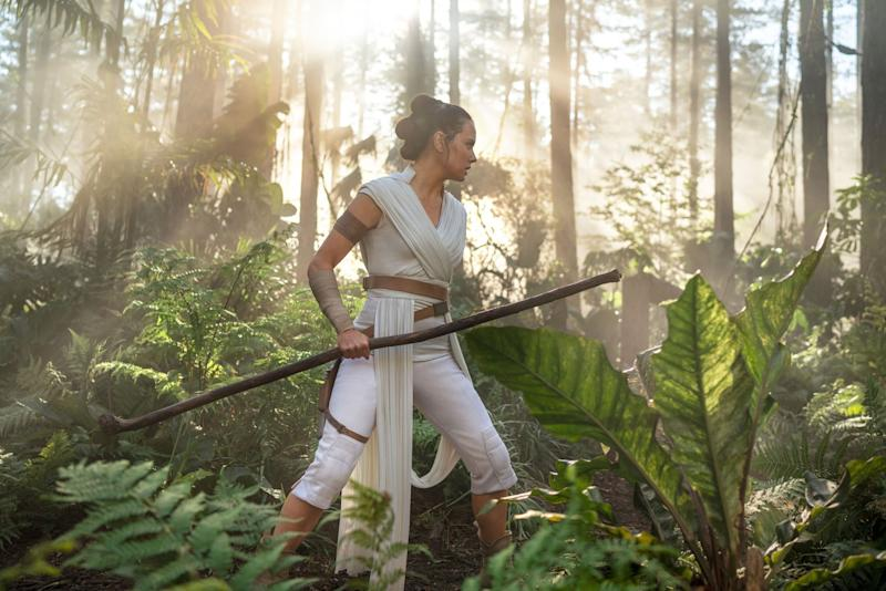 STAR WARS: THE RISE OF SKYWALKER, (aka STAR WARS: EPISODE IX), Daisy Ridley as Rey, 2019. ph: Jonathan Olley / Walt Disney Studios Motion Pictures / Lucasfilm / courtesy Everett Collection