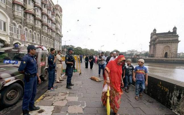 Exclusive: ISIS terrorists trying to sneak in through sea route, Mumbai on alert