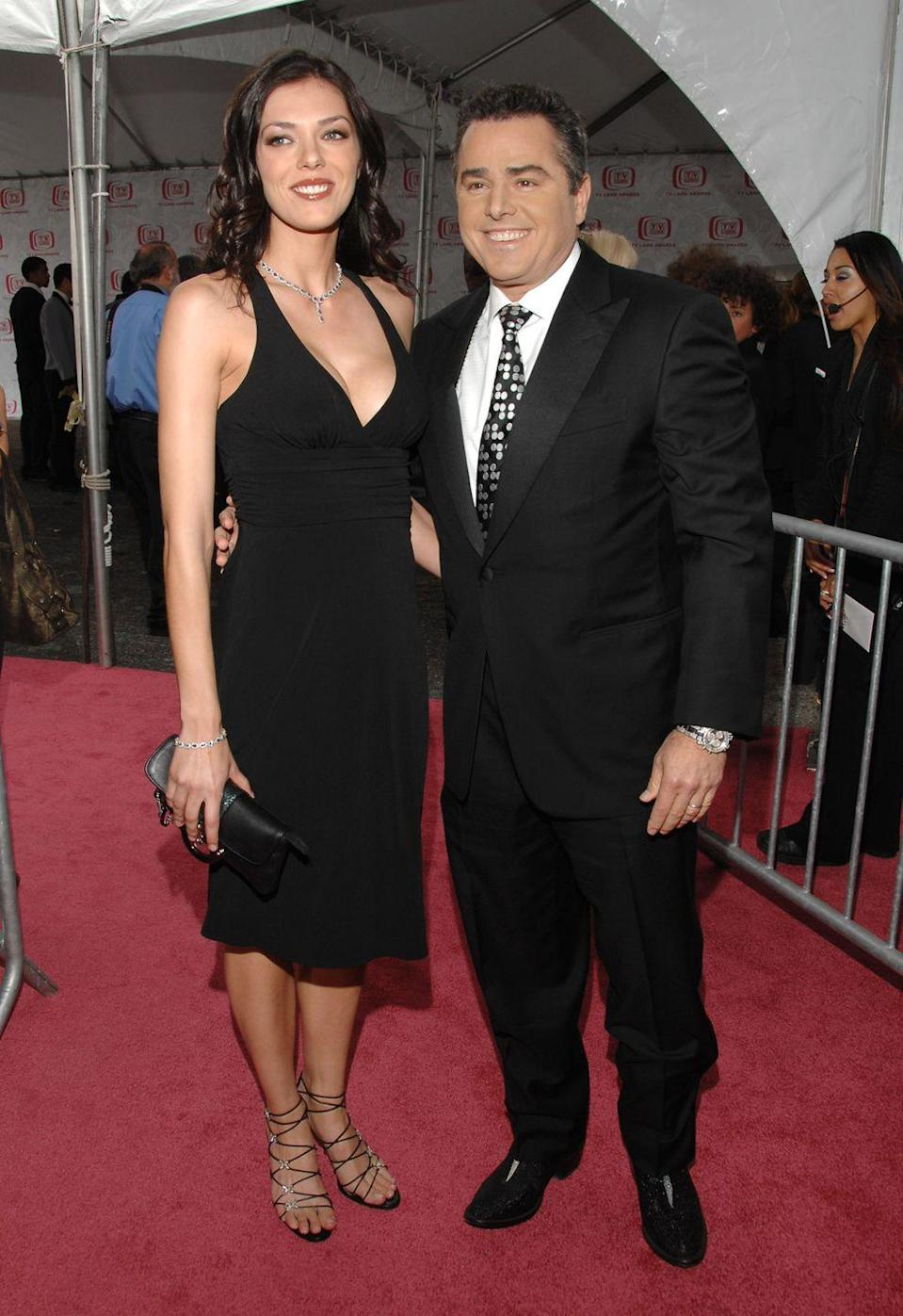 """<p>Christopher Knight: 5' 9""""<br>Adrianne Curry: 5' 11""""</p>"""