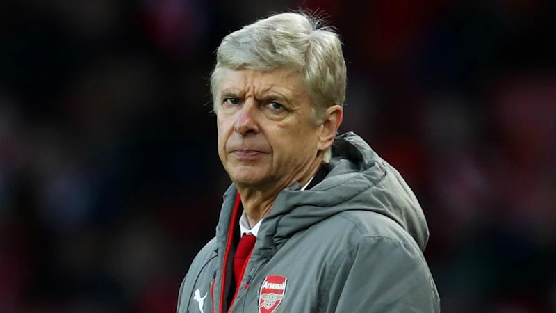 Wenger leaving Arsenal would take away toxic atmosphere - Smith