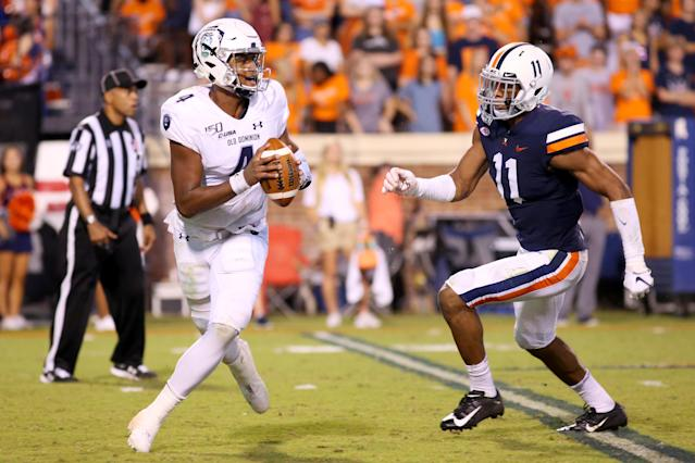 Virginia EDGE-LB Charles Snowden, has put together a nice start to the season. (Getty Images)