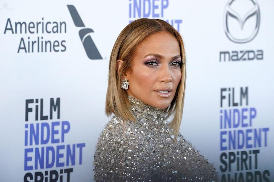 <p>Honey highlights are <em>always</em> popular in the fall, and 2020 is no exception. Take a page out of Jennifer Lopez's book with some golden honey highlights this autumn.</p>