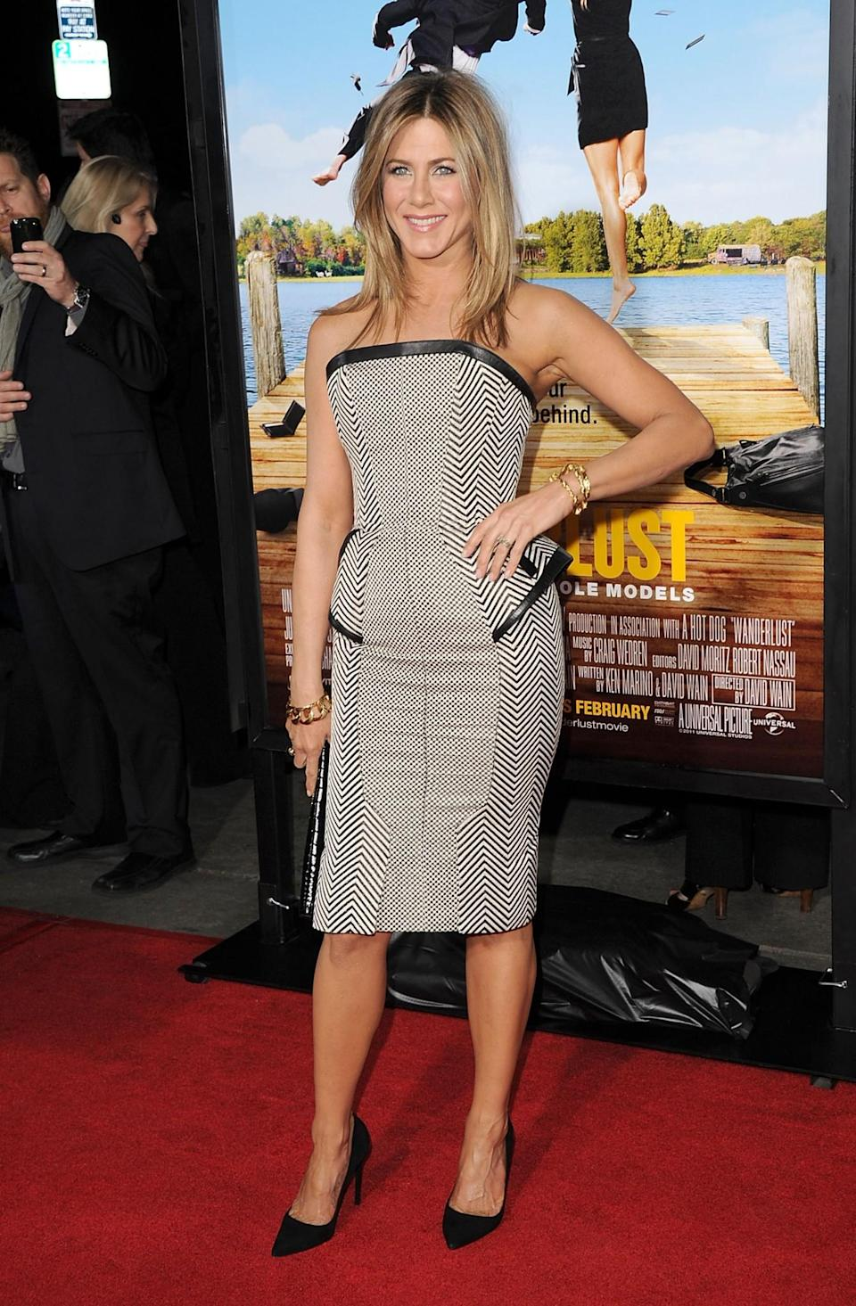 <p>Jennifer loves a fitted dress, making this chevron monochrome design a winner. <i>[Photo: Getty]</i> </p>