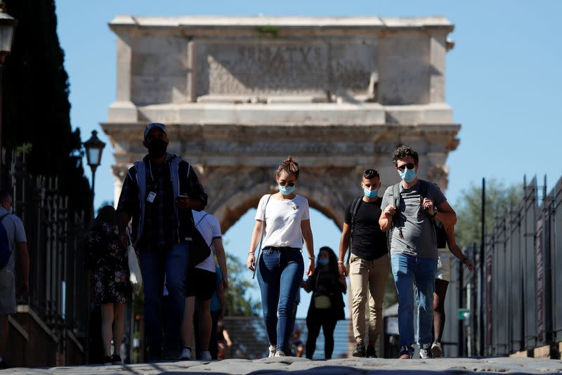 Italy tops 5,000 daily coronavirus cases for first time since March