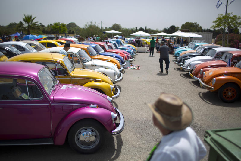 Volkswagen to stop making its classic Beetle next year