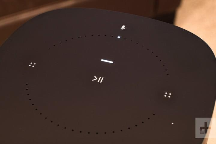 sonos one vs play 1 review buttons 720x720