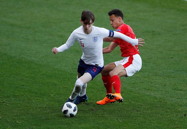 Soccer Football - UEFA European Under-17 Championship - Group A - Switzerland v England - AESSEAL New York Stadium, Rotherham, Britain - May 10, 2018 Switzerland's Julian Vonmoos in action with England's James Garner Action Images via Reuters/Lee Smith
