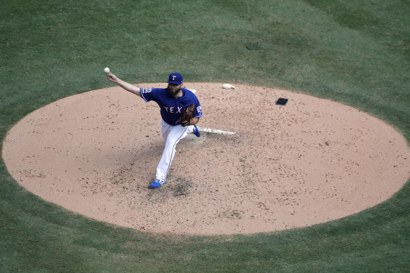 Texas Rangers starting pitcher Lance Lynn throws to the New York Yankees in the fifth inning of a baseball game in Arlington, Texas, Sunday, Sept. 29, 2019. (AP Photo/Tony Gutierrez)