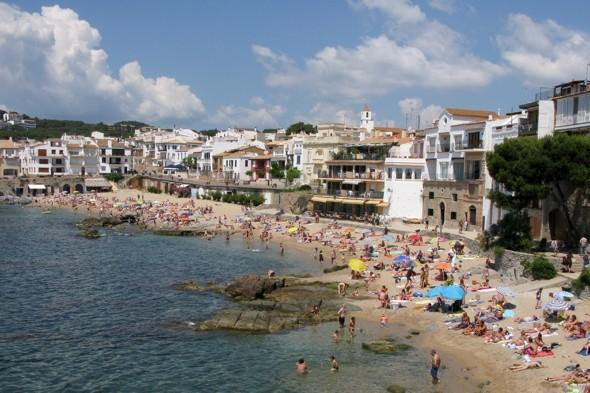 Hotel pools warning as British toddler drowns on holiday in Spain