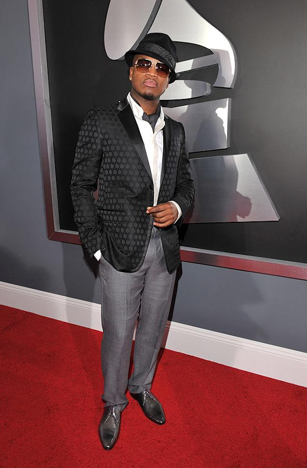 """Blah: Ne-Yo's normally dapper, but this time around the R&B singer was a mismatched mishap. Lester Cohen/<a href=""""http://www.wireimage.com"""" target=""""new"""">WireImage.com</a> - February 8, 2009"""