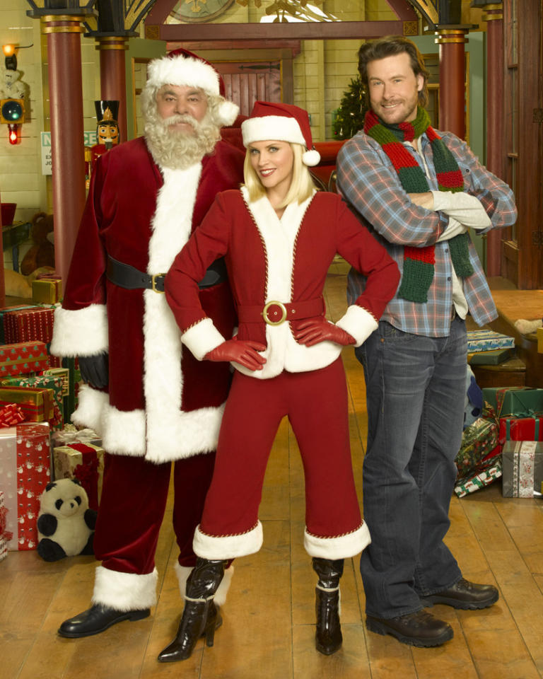 """Santa Baby 2: Christmas Maybe"" on ABC Family