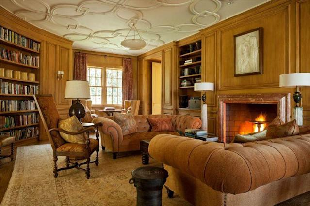 Living room with original moldings. (Photo: Sotheby's)
